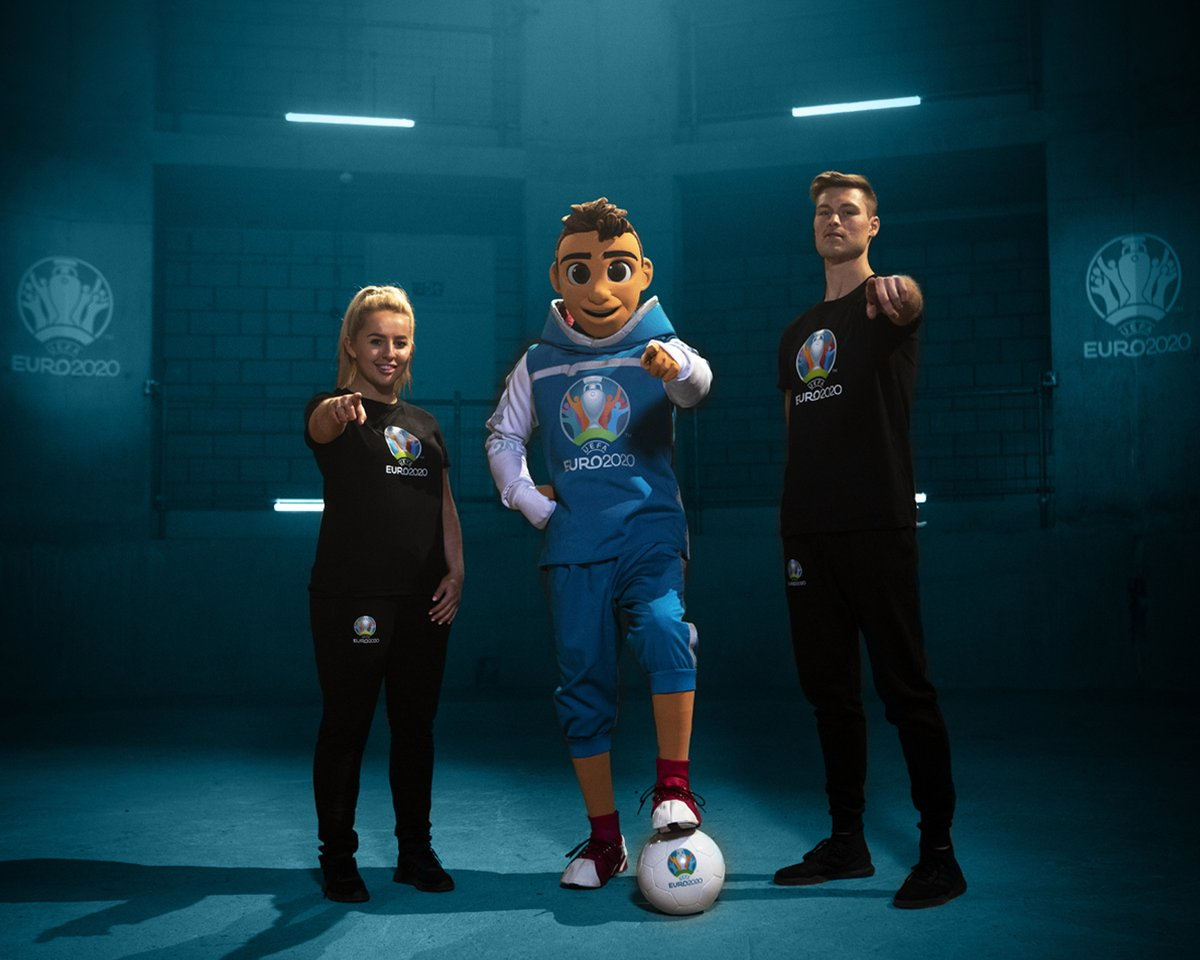 Skillzy-mascotte-officielle-UEFA-Euro-2020-freestyler-1
